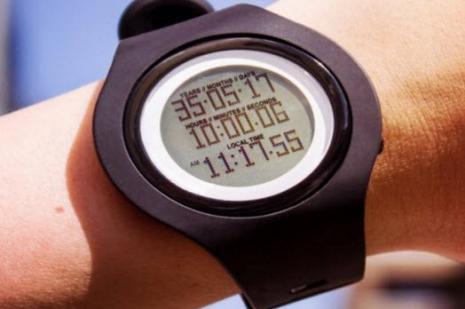 Bu saat ne zaman öleceğinizi söylüyor