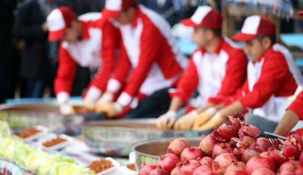 Esenlerde Nar ve Çiğ köfte Festivali