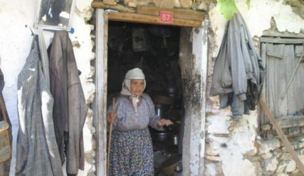 88 yıldır elektriksiz yaşıyor