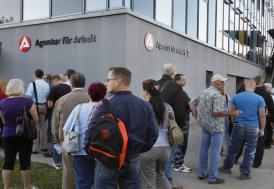 Almanya'da on binlerce kişi işsiz kalacak