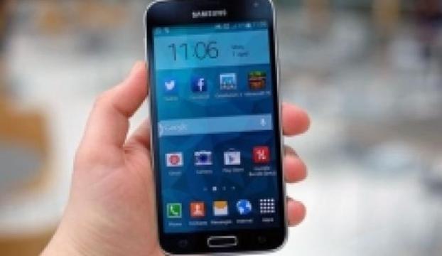 Android 5.0 yüklü Galaxy S5ten yeni görüntüler