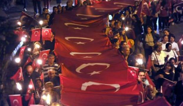 Antalyada fener alayı
