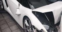 Vale, Lamborghini'yi duvara çarparsa!