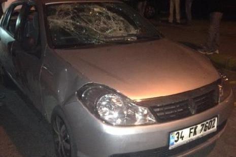 Bağcılarda Arabaya taşlı ve silahlı saldırı