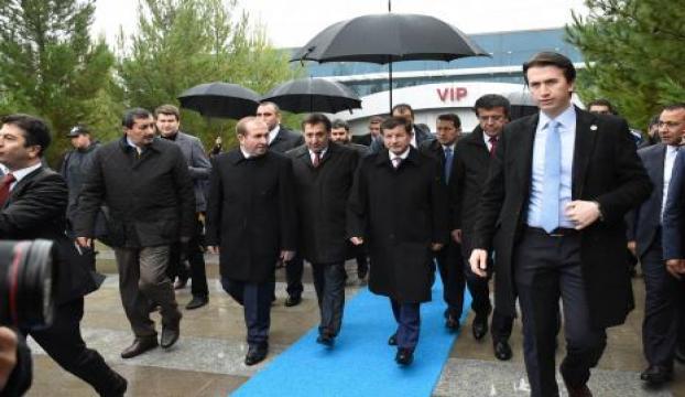 Başbakan Davutoğlu Şanlıurfada temaslarda bulundu