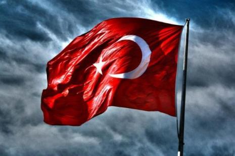 İzmirde bayrak yürüyüşü