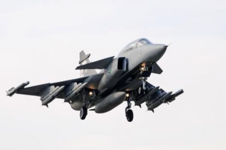 İsveçten savaş uçağı alıyorlar