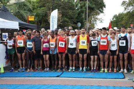 Cumhuriyet koşusunda 87lik atlet