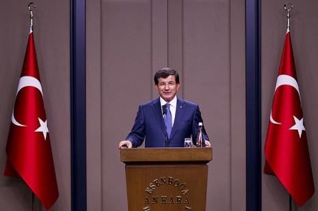Başbakan Ahmet Davutoğlu: Sınır boyundaki valilere talimatlar verildi
