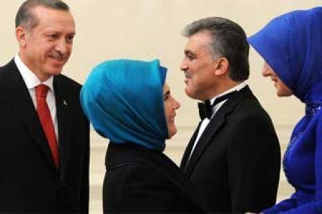 Gül ile Erdoğan arasında büyük yarış