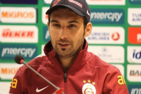 Galatasaraylı futbolcu Engin Baytar, özür diledi