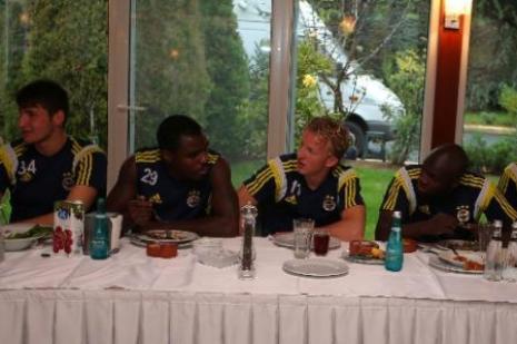 Fenerbahçe moral yemeği yedi