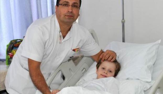 GATAda en genç hastaya robotik cerrahi ameliyatı