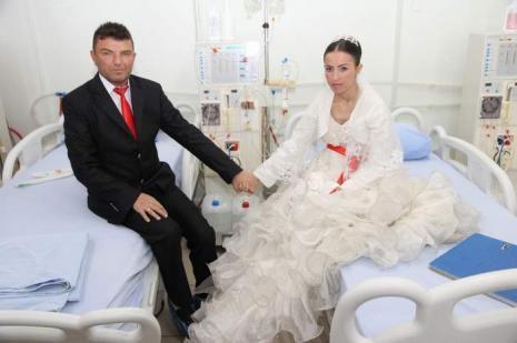 Hastanede nikahlarını kıydırdı