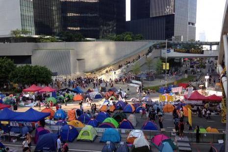 Hong Kong karıştı