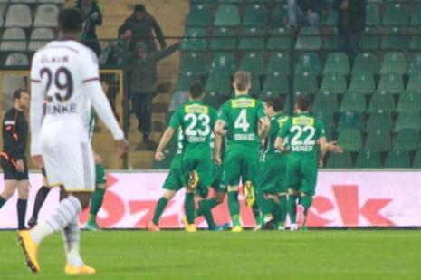 İlk yarıda Timsah 1-0 önde