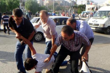 IŞİD protestosunda 12 gözaltı