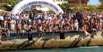 Kız Kulesi Yüzme Yarışması yapıldı
