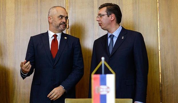 Arnavutluk Başbakanından Sırbistana tarihi ziyaret