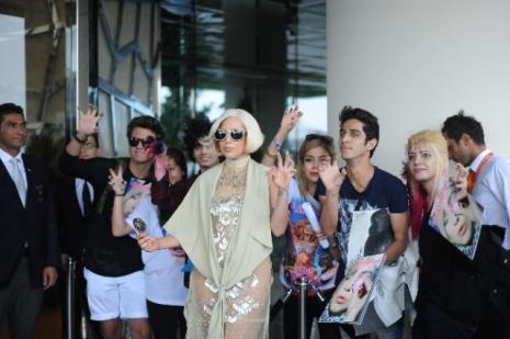 Lady Gaga özel bir uçakla Atina'ya gitti