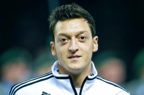 Mesut Özil'den eleştirilere yanıt