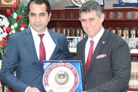 Metin Feyzioğlu siyasete mi giriyor ?