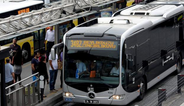 Metrobüs yolunda feci ölüm