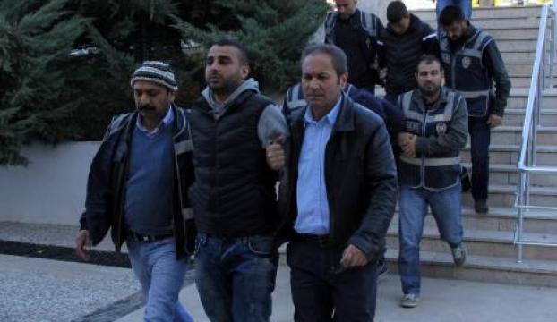 Muğlada polisin evini soyan zanlılar yakalandı
