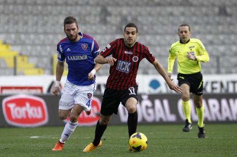 Gençlerbirliği ile Kardemir Karabükspor maçında ilk yarı