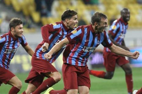 Yunan futbolcu UEFA sıralamasında Yunanistan'ı yaktı