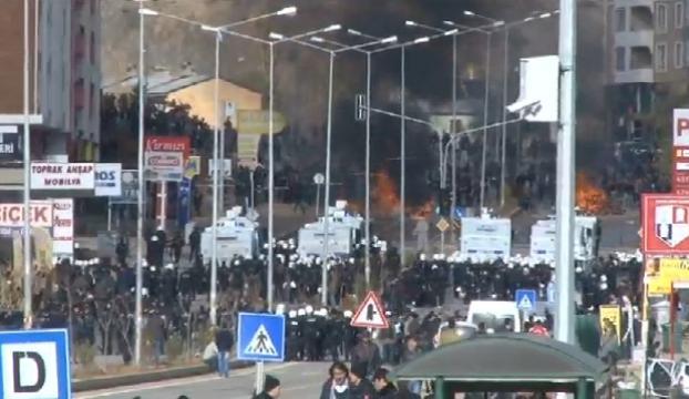 Bahçeli Tuncelide protesto edildi