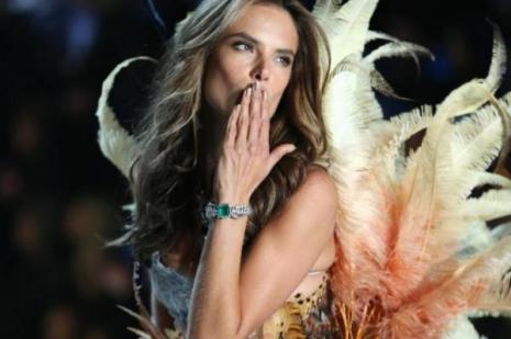 Brezilyalı Alessandra Ambrosio Türkiye'ye geliyor