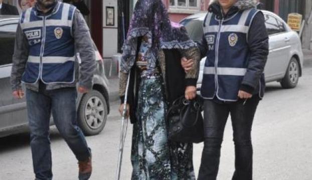 51 yaşındaki kadın uyuşturucu ile yakalandı