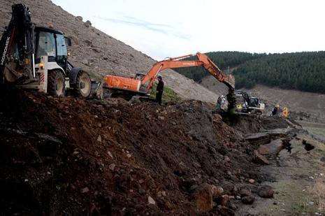 Sarıkamış'ta kuvvetli yağış hasara neden oldu